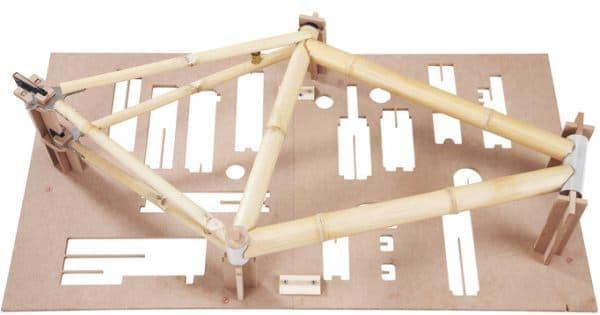 竹製フレーム製作に必要なパーツが提供されているので
