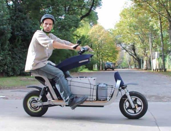 ステアリングの振動がない、初心者にも乗りやすいバイク