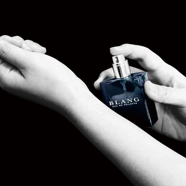 自動車用の芳香剤、ではなく香水(出典:カーメイト)