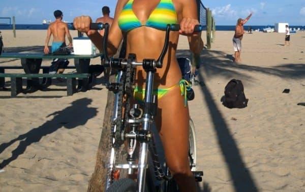 「Dual Drive Fitness Bike」は、手で漕ぐ自転車