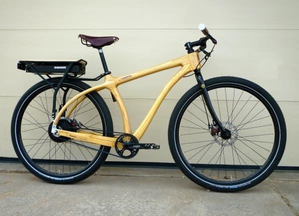 「e-Woody」は、回生システムを持つ電動アシスト自転車
