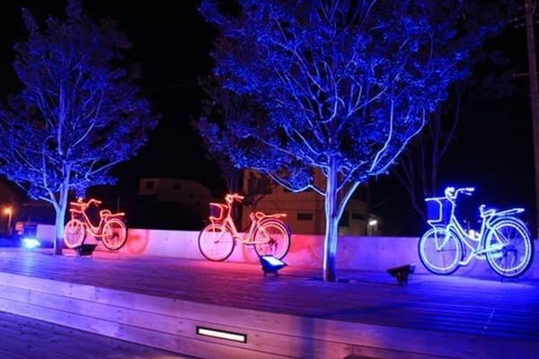 オリーブ広場の自転車のオブジェ