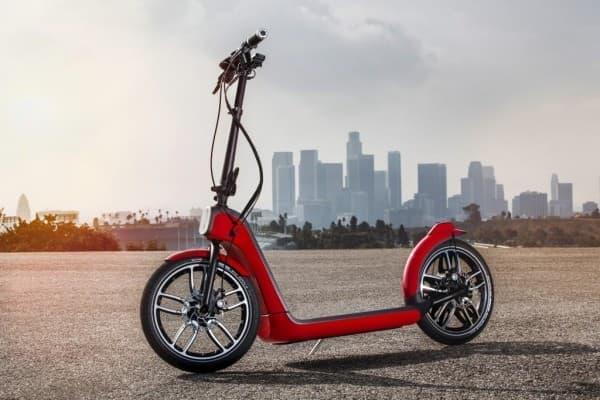 MINI ブランドの電動スクーター「MINI Citysurfer Concept」