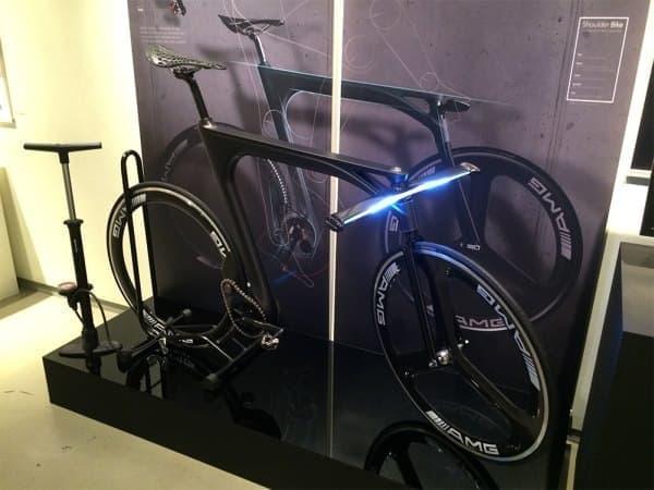 担ぐためにデザインされた自転車「Shoulder Bike(ショルダーバイク)」