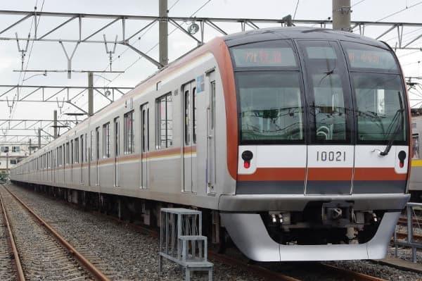 飯能発の「みなと横浜初日の出号」、東京メトロ10000系だ(出典:東京地下鉄)