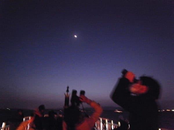 湖上から夜空を見よう