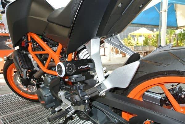 色々なマウントを使ってバイクにも装着可能