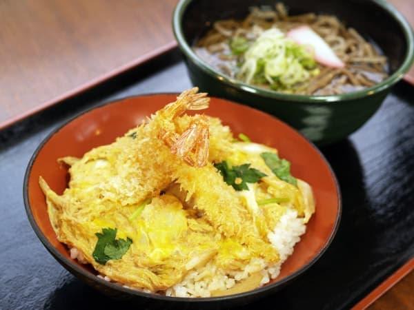 福井県三国漁港のエビをカツにした「ガサエビカツ丼」