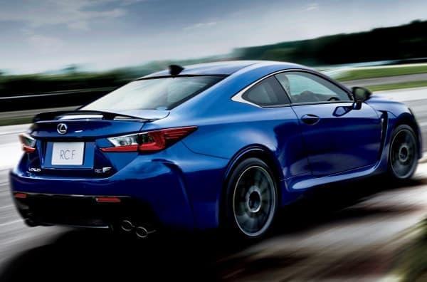 RC F は高性能クーペ。新型 F モデルの車種についても詳細が待たれる