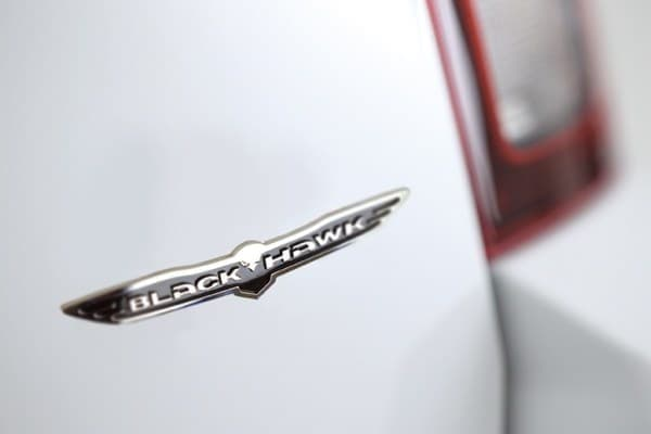 「Jeep Compass Blackhawk」専用バッジ