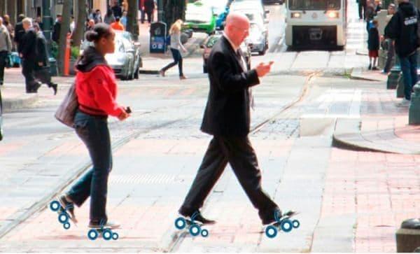 「Rollkers」は、装着者の歩く速度を約2倍にするプロダクト
