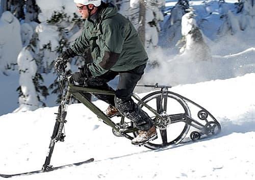 雪道では、キャタピラは必需品(?)