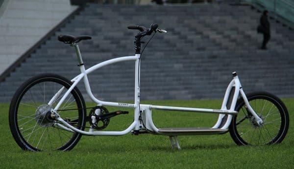 一般的な自転車よりも長いホイールベースを実現した