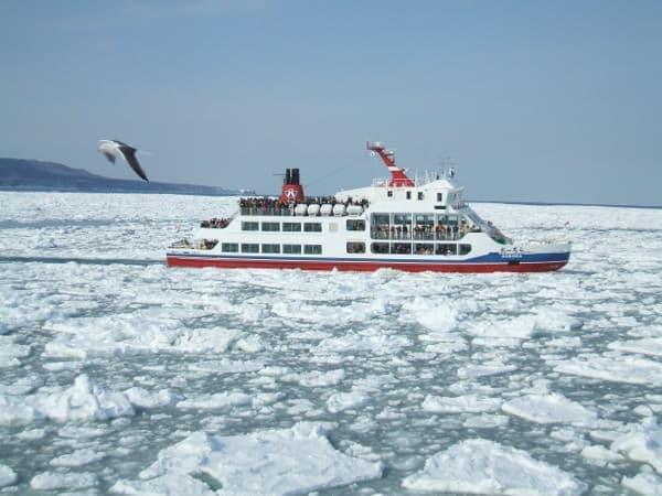 「白い海」流氷シーズンが到来--砕氷船に乗って見にゆこう