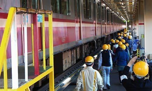 京急の電車を洗車できる!「タモリ倶楽部」も訪れた金沢検車区体験ツアー