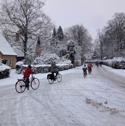 電車と違い、自転車には「雪による運転見合わせ」はありません