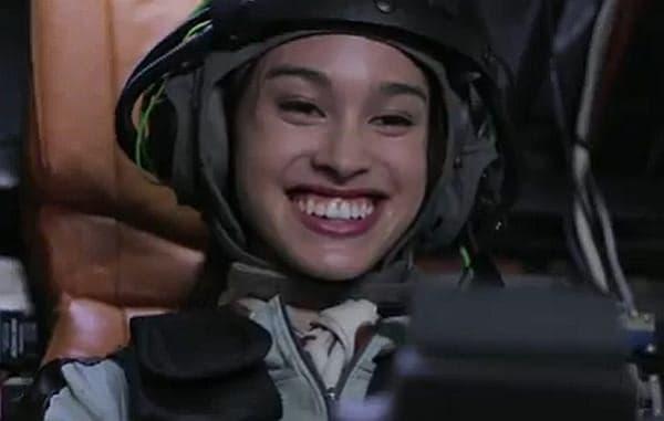 オプションの「ガトリング銃」は搭乗者の笑顔を検出して BB 弾を発射する  笑えば笑うほど、敵を追いつめられる  (注:画像はプロトタイプ版)