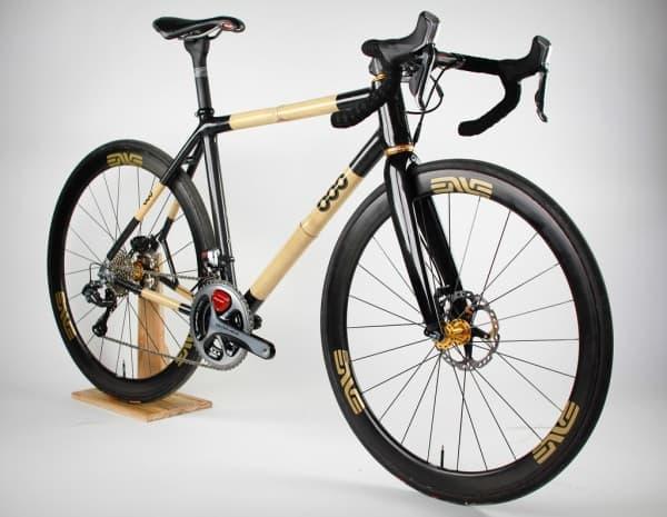 BOO Bicycles による、竹製フレームのクロスバイク