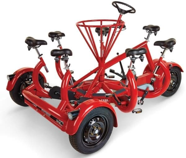 """""""7人でペダルを漕ぐ""""トライサイクル「Only Seven Person Tricycle」"""
