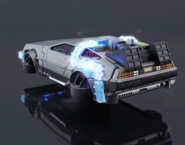 「デロリアン」をモチーフとした iPhone 6 ケース  「CRAZY CASE BACK TO THE FUTURE II DELOREAN TIME MACHINE」