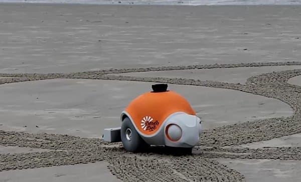 砂浜に絵を描くカメ型ロボット「Beach Bot」
