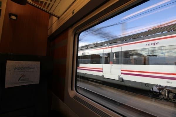 音楽もナレーションもなく、「ヨーロッパを走る鉄道の車窓」を映し続ける