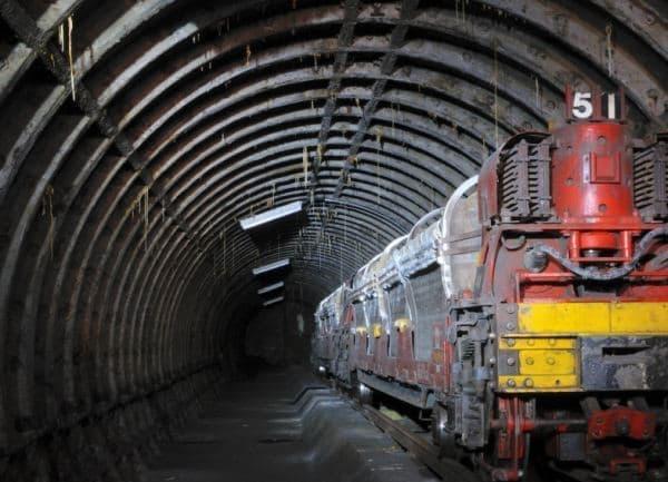 かつてロンドンの地下を走行していた郵便電車