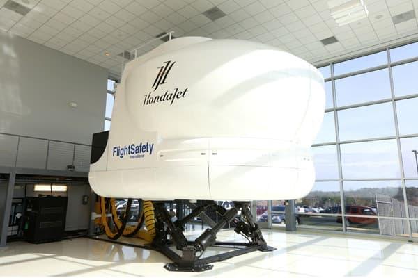 ホンダジェットのフライトシミュレータ