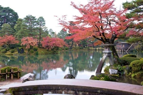 日本三名園に数えられる『兼六園』
