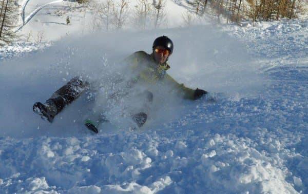 スキーほどではないが、ソリよりはずっと早く滑れる