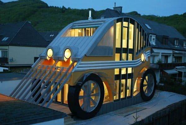 クルマの形をした家「Auto Residence」