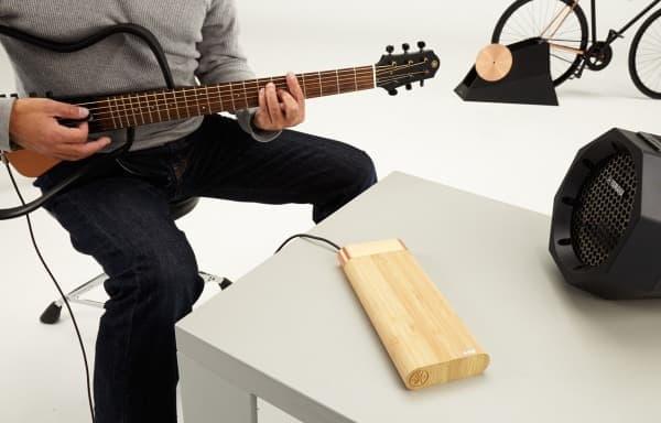 自分で発電した電気で、ギターを楽しむ