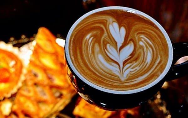 外国人に人気のカフェ『Curio Espresso and Vintage Design』  (画像は同店の Facebook サイトから)