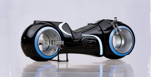 「ライトサイクル」のレプリカバイクがオークションに