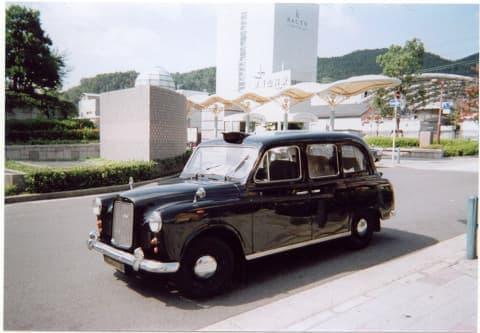 こちらが素顔のロンドンタクシー、落ち着いた雰囲気なんです