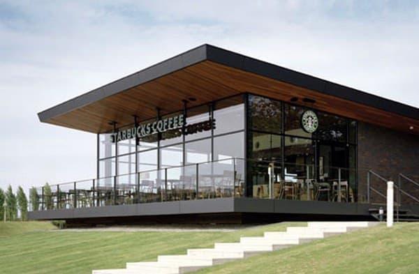 世界一美しいスタバ  (画像はスターバックスコーヒー富山環水公園店の Web サイトから)