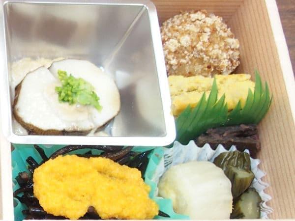 卵焼き風のものはカボチャと卵を使った料理