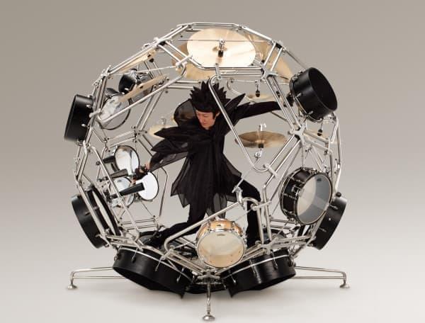 バイクデザイナーの提案するドラム「RAIJIN(雷神)」  演奏者から噴出するエネルギーを視覚的に表現している