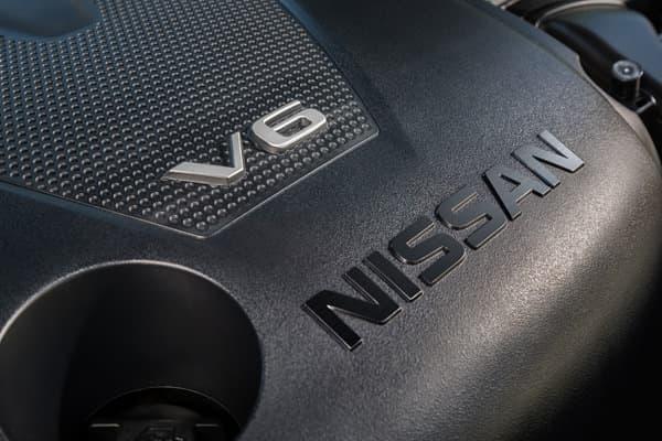 最高出力300馬力を発生する新型3.5リッター V6エンジン