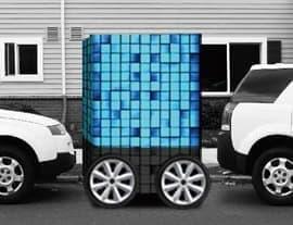 「トランスフォーム機能」により、狭いスペースにも駐車可能に