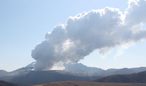 火の国の象徴、阿蘇山
