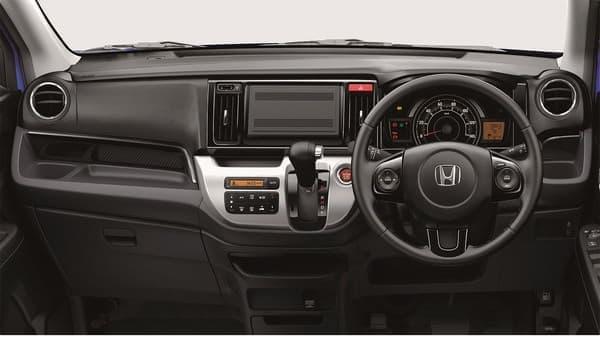 メーカーオプションで車内の安全装備を充実