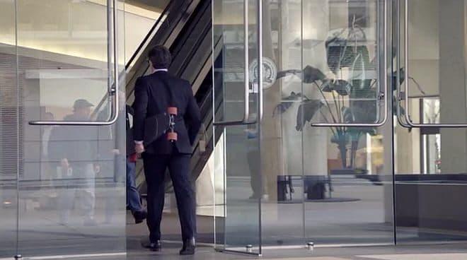 通勤用スケートボードの例  (画像は電動スケートボード「Monolith」)