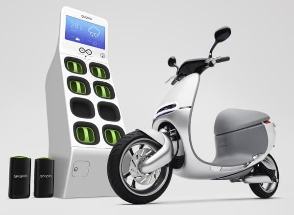 "「Gogoro」は、バッテリーを""充電""するのではなく、  充電済みのバッテリーと""交換""しながら走行する電動バイク"