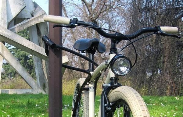「FRAMEBLOCK」は、フレームにロックを組み込んた自転車