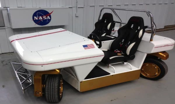 NASA が開発した電気自動車「Modular Robotic Vehicle(MRV)」