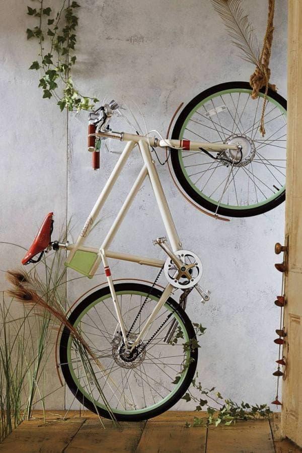 「FARADAY PORTEUR」は、電動アシスト機能をもちながら美しいデザインを持つ自転車