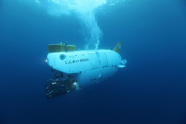 しんかい6500 は25周年の記念潜航を行う