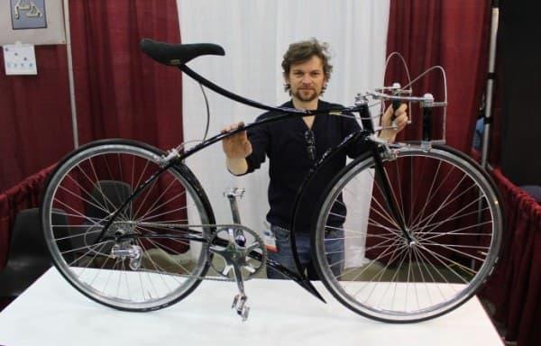 Cykelmageren による、ハンドルグリップが縦に取り付けられた自転車