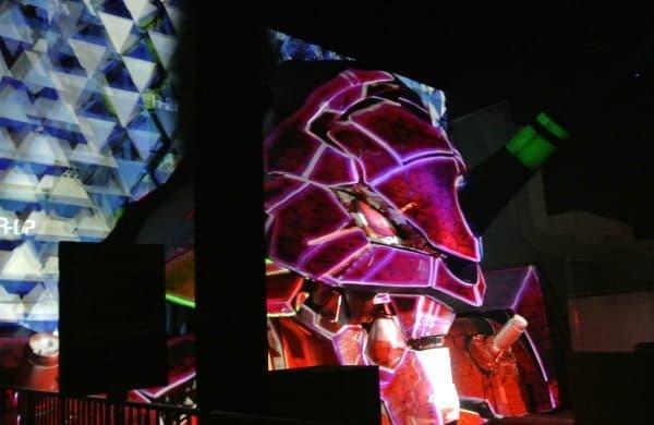 「ヱヴァンゲリヲン新劇場版」の世界観が楽しめるアトラクション  「エヴァンゲリオン プロジェクションマッピング」公開開始